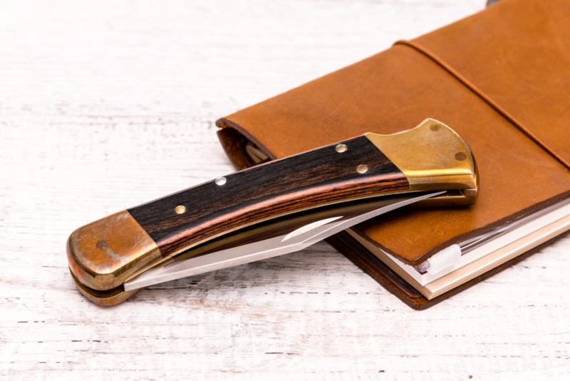 buck pocket knife dating