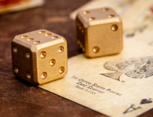 Flytanium – Brass Dice Set